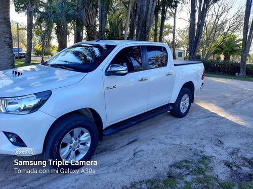 Toyota Hilux 3.0 Cd Srv Cuero Tdi 4x4 5at - A4 2016