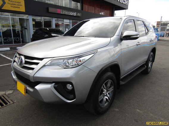 Toyota Fortuner Sw4 Street Full Equipo