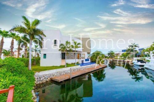 Imagen 1 de 30 de Casa En Venta Frente Al Mar Puerto Cancun Residencial