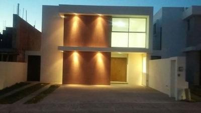 Se Vende Casa Para Estrenar En Residencial El Refugio, Querétaro