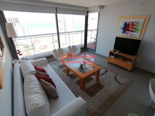 Hermoso Apartamento En Torre Nueva De Categoria A Pasos Del Mar- Ref: 3426