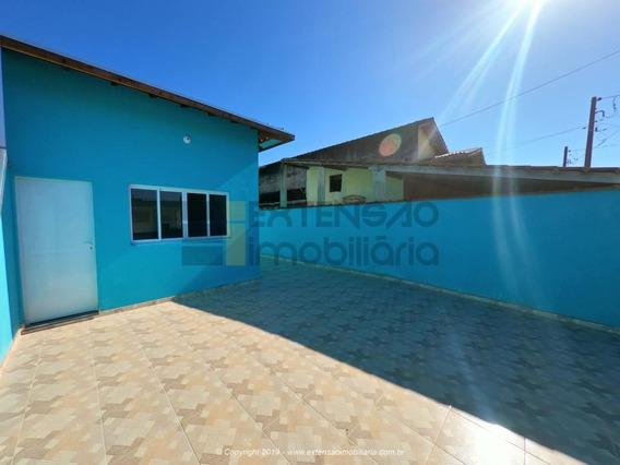 Casa Com 03 Dormitórios E 93m² - 66