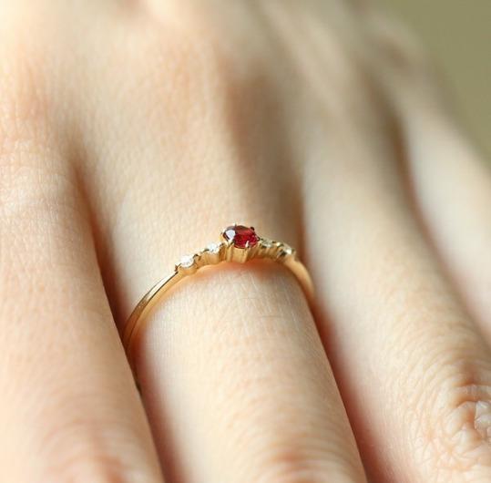 Anel De Alta Qualidade Em Ouro 18k, Diamante E Rubi.