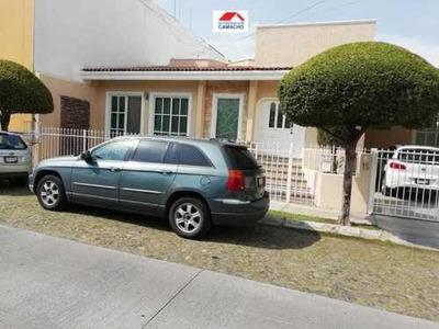 Casa Sola En Venta Fraccionamiento Lomas Verdes, Cuenta Con Jacuzzy Y Aire Acondicionado