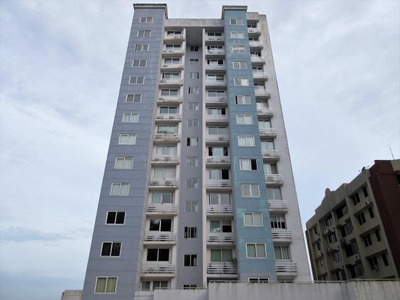 Vendo Apartamento Amoblado En Ph Urbis Tower Betania 18-4799