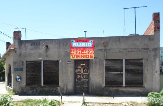 Casa 3 Ambientes Con Cochera - Ayolas 2400 - Dock Sud