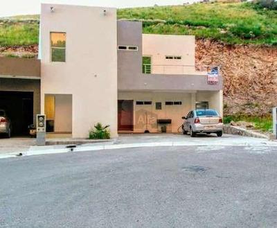 Casa En Venta En Rinconada De La Sierra Con Recamara En Planta Baja