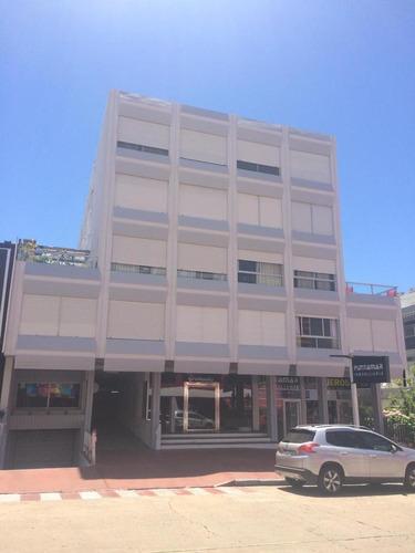 Edificio Gramado, 30 Y Gorlero, Península