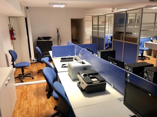 Oficina Con 3 Despachos En Balvanera Frente - Con Renta