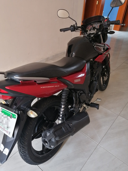 Yamaha 2017 Negro/rojo