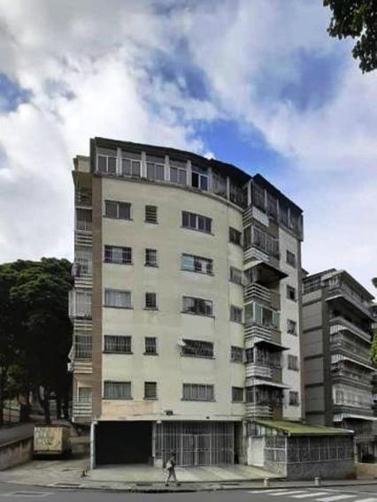 Apartamento En Colinas De Bello Monte #20-3640
