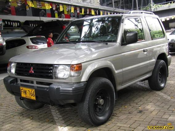 Mitsubishi Montero Hard Top 2400 Cc