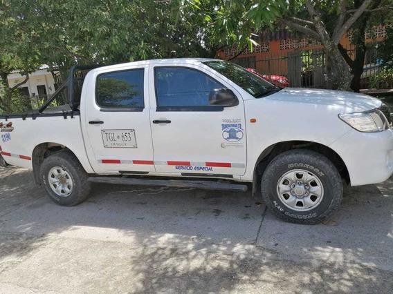 Camioneta-toyota Hilux- Doblecabina- Diesel-4x4- 2.5-2012.