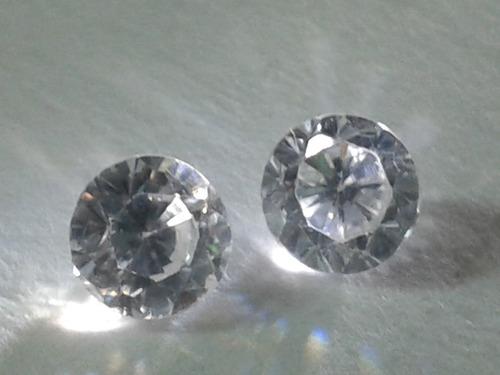 6 Sevende Zircon Blanco En Forma De Diamamte En ( 2 )tamaños