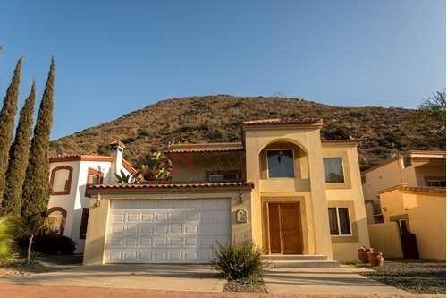 Casa En Venta Residencial De Lujo Con Campo De Golf, Ensenada Baja California. Residencia Amueblada $255,000 Dlls