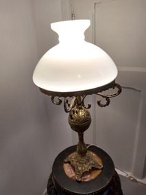 Antigo Abajur Bronze Cúpula Vidro Leitoso 55,5 Cm Alt. Total