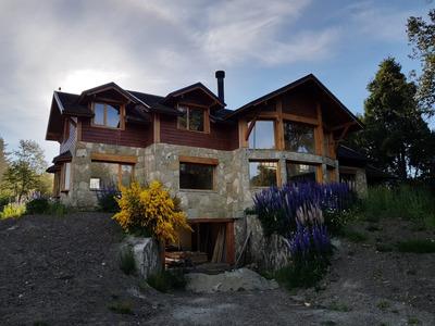 Importante Casa De Categoria Estrenar En Villa La Angostura