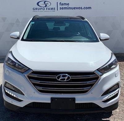Hyundai Tucson Limited Tech Navi 4 Puertas