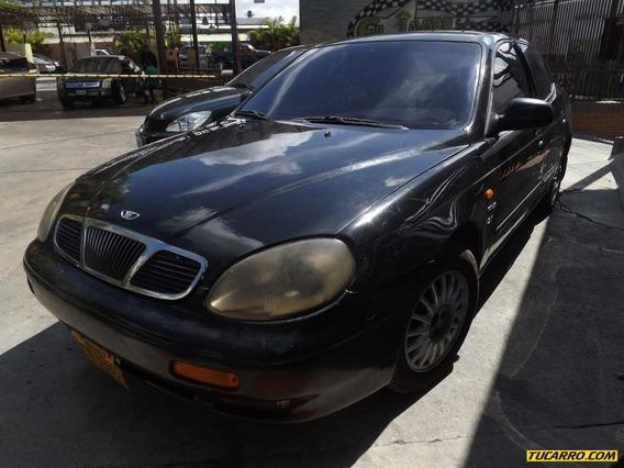 Daewoo Leganza Sedan