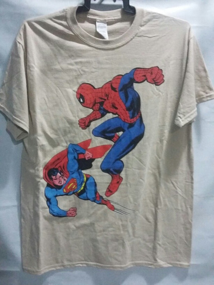 Playera Marvel Comics Spiderman Vs Superman