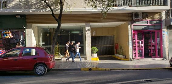 Cochera En Edificcio, En El Primer Subsuelo, Exelente Hubica