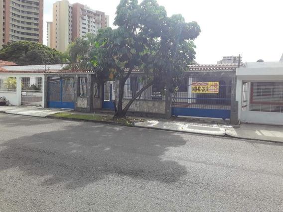 Consolitex Vende Casa En Las Chimeneas Cod. Q1182