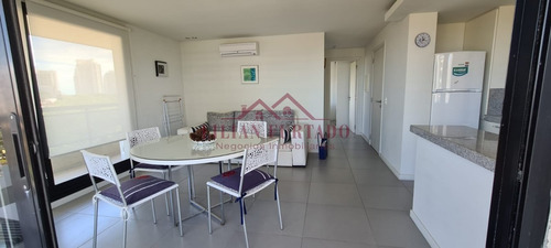 Apartamento En Alquiler Por Temporada - Ref: 1447