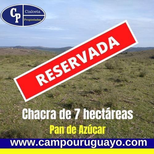 Muy Linda Chacra, Reservada