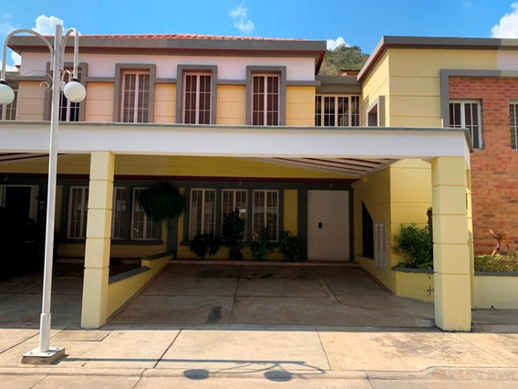 Hermosa Casa En Urbanización Pie De Monte Villas Club