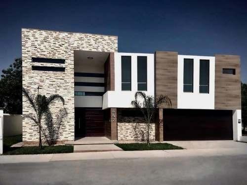 Casa En Venta En Fracc.las Trojes, Torreón