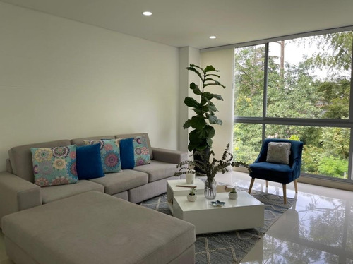 Casa Moderna Con Jardín!! Precio De Oportunidad $990