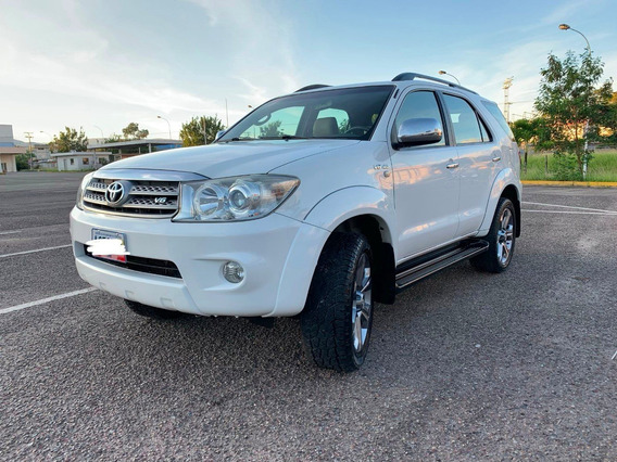 Toyota Fortuner 4x4 Año 2012