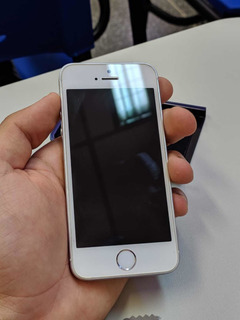 Apple iPhone Se 64 Gb Prata