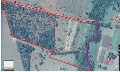 Fazenda Na Região Do São Lourenço Em Ituiutaba Mg.
