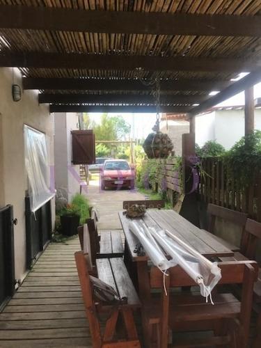 Oportunidad Casa Dividida En 2 Departamentos Independientes 1 En Cada Planta. Ideal Para Renta!!!- Ref: 397