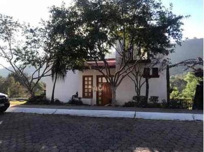 Linda Casa En Las Cañadas En Venta