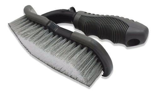 Imagen 1 de 1 de Cepillo Para Limpieza De Tapizados Y Alfombras Shine & Style