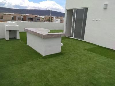 En El Refugio, 3 Niveles Roof Garden, Estudio, 3 Recámaras