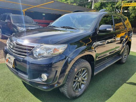 Toyota Fortuner Sr5 4x2 At 2015 2.7cc