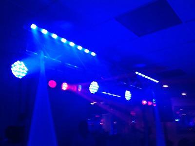 Renta Bocinas Dj Luz Y Sonido Iluminacion Robótica Karaoke