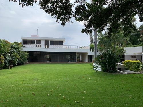 Casa Sola En Jardines De Delicias / Cuernavaca - Roq-580-cs