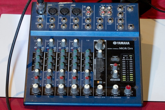Mesa De Som Console Yamaha Mg8/2fx
