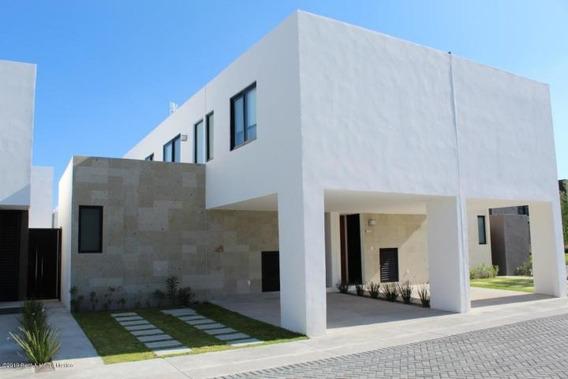 Altos De Juriquilla Casa En Venta Con Terraza