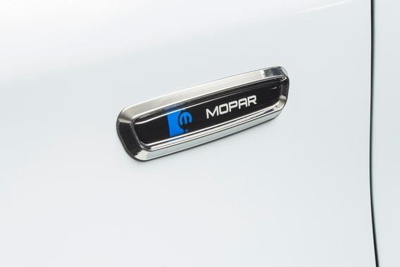 Adhesivo Lateral Mopar Fiat 50928166
