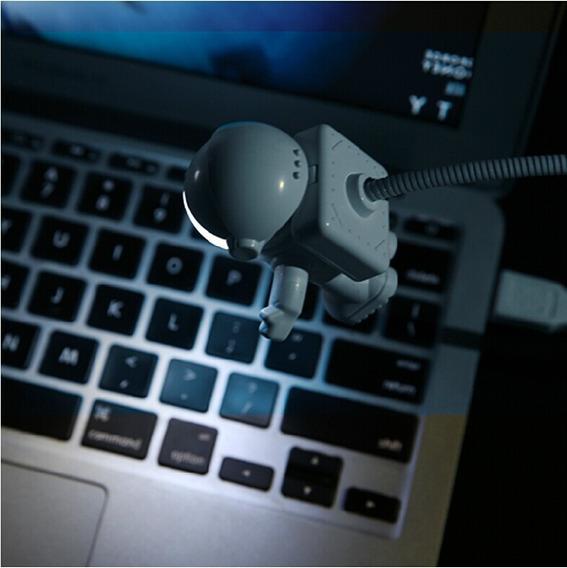 Novo Gadget Astronauta Usb Com Lâmpada Para Computador