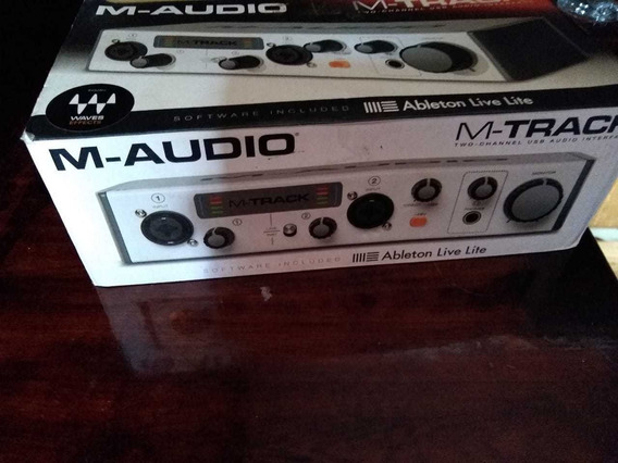 Interface M-áudio Modelo M-track Plus