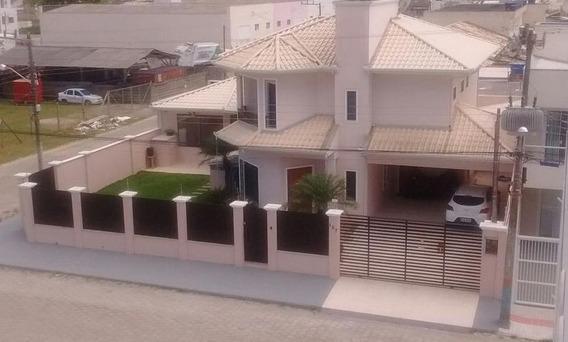 Casa Em Santa Regina V, Camboriú/sc De 204m² 3 Quartos À Venda Por R$ 995.000,00 - Ca474206