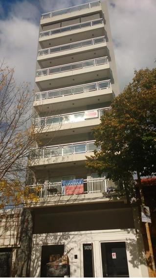 Departamento Venta 2 Dormitorios , 90 Mts 2 Y Cochera - Parque San Martin .
