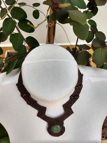 Colar Artesanal Com Pedra Natural Em Macramê