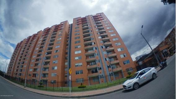 Vendo Apartamento En Hayuelos Mls 20-740